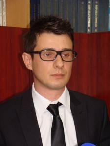 Radu FIRĂSTRĂU