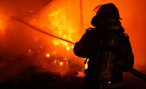 pompier incendiu mare