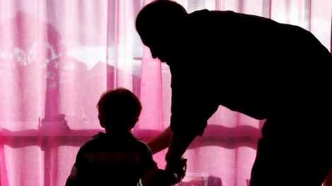 copil abuz sexual