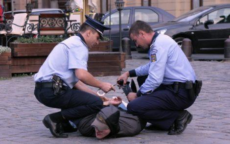 incatusat-de-politisti