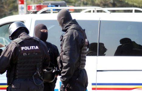 politia-perchezitii-02