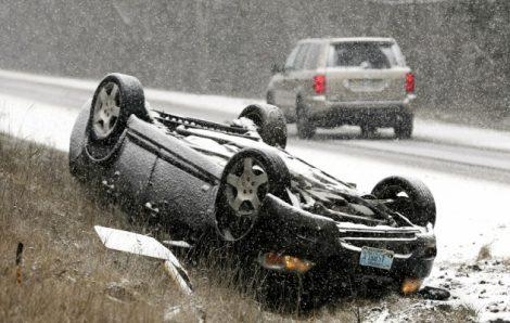accident-masina-rasturnata-02