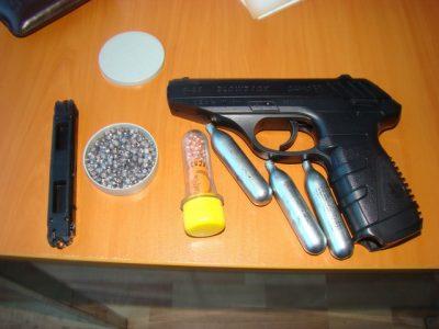 albita pistol