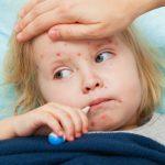 52 de copii bolnavi de rujeolă în luna aprilie și trei focare în Neamț